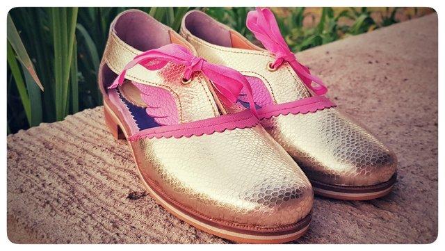 Hibisco: colores y texturas radiantes para tus pies