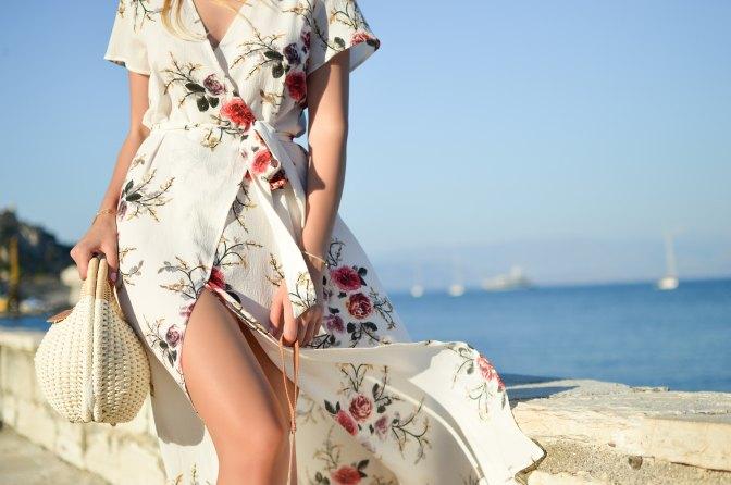 Alegría! Llegó la Beauty Bag Spring Edition de Avon y nos encanta