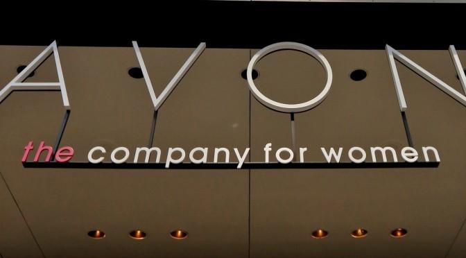 Natura &Co compró Avon y crea un grupo global de belleza