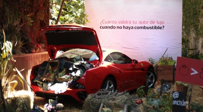 Un auto de lujo abandonado sorprende a los vecinos del barrio de Palermo