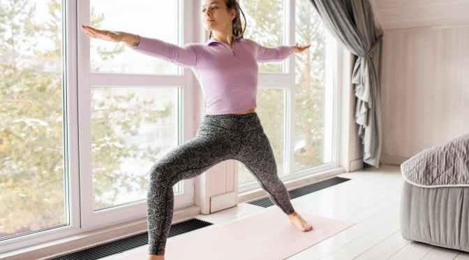 Mejora tu digestión con simples ejercicios de yoga